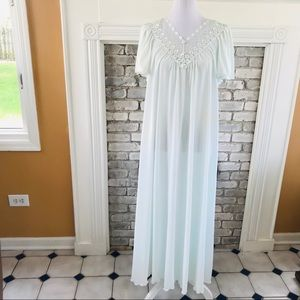 VINTAGE 70's /80'S LONG SHADOWLINE NIGHTGOWN M